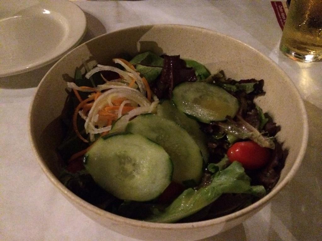 カライクラブのサラダ