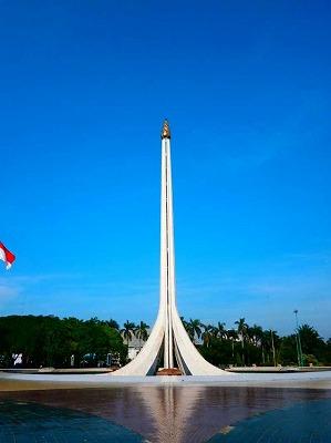 モナス独立記念塔